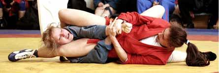 В Курганской области прошел чемпионат по самбо среди женщин и среди юношей и девушек
