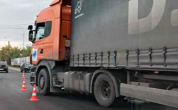 В Зауралье две женщины пострадали в ДТП с грузовиком