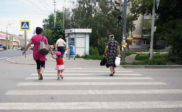 В Зауралье возле каждой школы сделают пешеходный переход