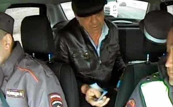 За попытку подкупа курганских полицейских осужден иностранец