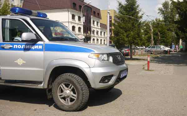 В Кургане грабитель выхватил у молодого человека телефон и сбежал