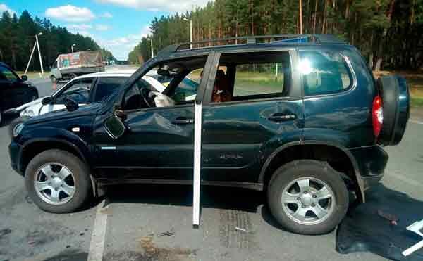 В Курганской области автоледи устроила аварию с двумя иномарками