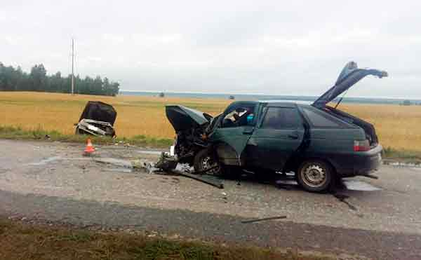 В Курганской области пьяный водитель устроил лобовое столкновение на встречке