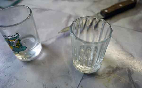 В Кургане парочка злоумышленников ограбила двух женщин во время пьянки