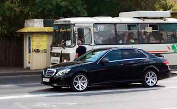 В Кургане водители ПАЗиков подрались на остановке