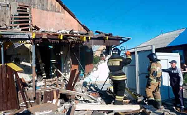 В пригороде Кургана из-за хлопка газа обрушились потолок и стена