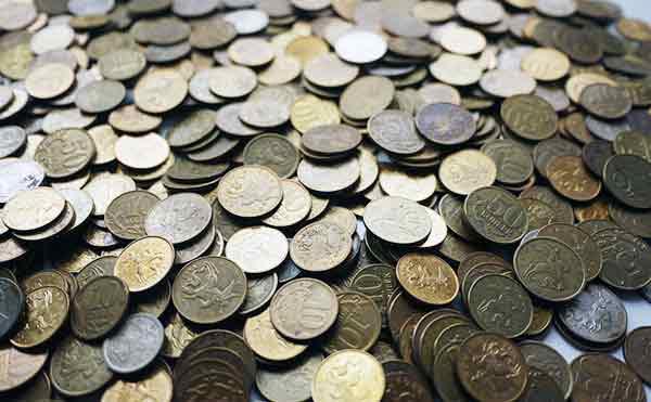 Курганцам предлагают поменять копейки на рубли без комиссии