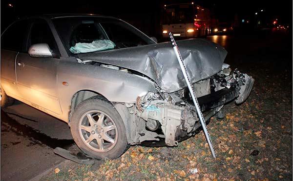 В Кургане пьяный водитель спровоцировал ДТП на перекрестке