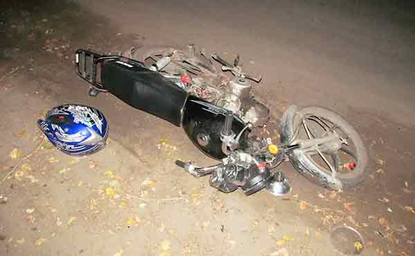 В Курганской области подростки на мотоцикле протаранили трактор
