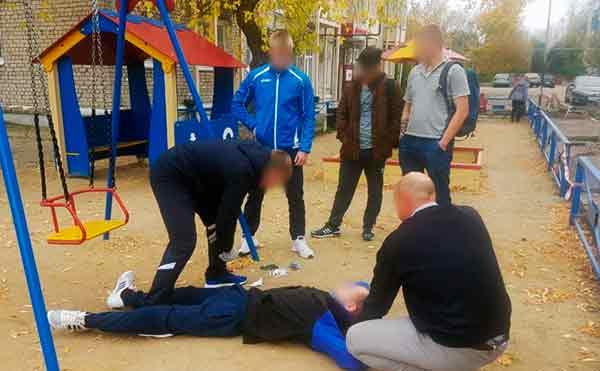 Житель Шадринска делал закладки наркотиков на детской площадке