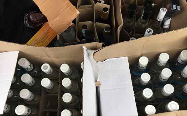 Двух зауральцев обвиняют в незаконной реализации табачной и алкогольной продукции