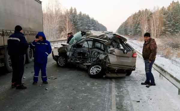 В Курганской области в ДТП на трассе погибла женщина