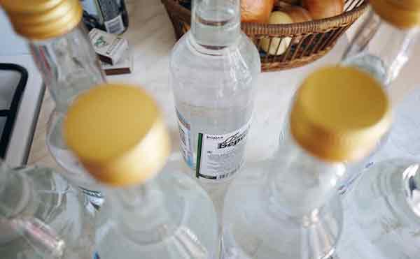 В Курганской области в сельском магазине изъяли незаконный алкоголь