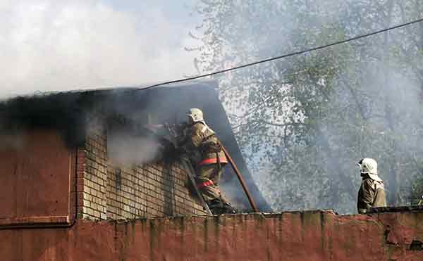 В Зауралье три человека погибли во время пожаров в выходные