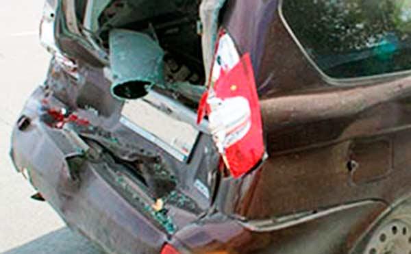 В Кургане на оживленном проспекте столкнулись три автомобиля