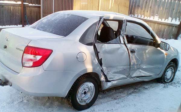 В Курганской области нетрезвые приятели угнали и разбили чужой автомобиль