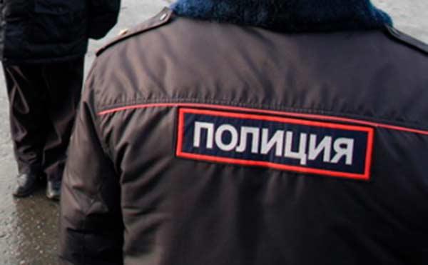 В Петухово разбойник ограбил магазин и пошел за покупками в супермаркет