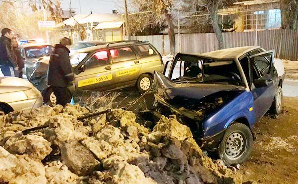 В Шадринске несколько человек пострадали в ДТП с участием двух легковушек