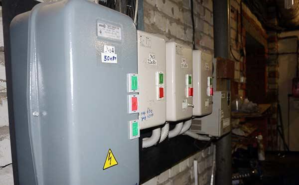 Зауралец заплатит за электричество без счетчика почти миллион рублей