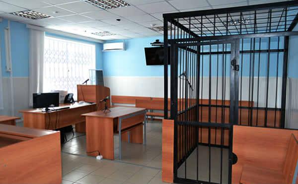 В Курганской области нетрезвый мужчина украл 220 тысяч рублей из автомобиля