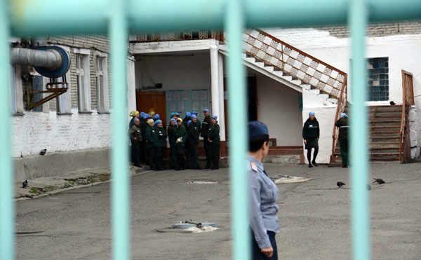 В Зауралье из колоний раньше срока вышел 91 заключенный