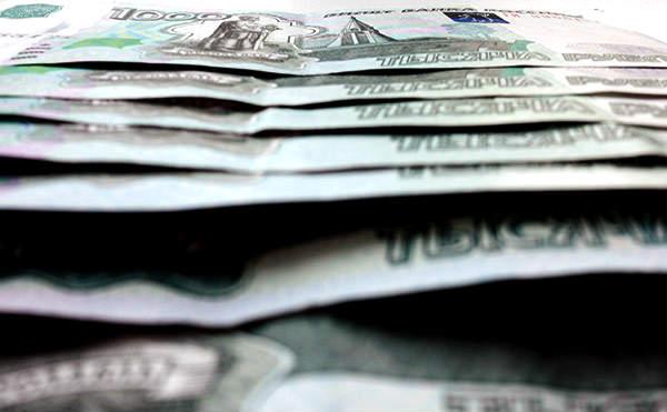 В Курганской области собутыльник украл сумку с 60 тысячами рублей