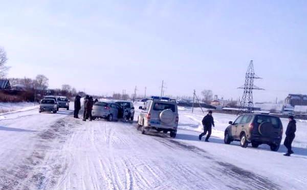 В Мокроусовском районе два водителя пострадали в аварии на трассе
