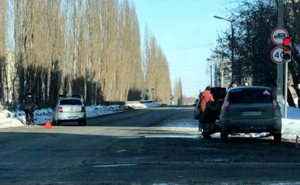В Шадринске легковушка протаранила полицейский автомобиль