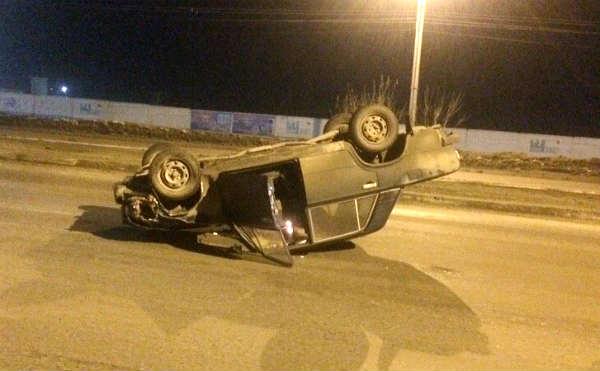 В Кургане легковушка после ДТП на перекрестке перевернулась на крышу