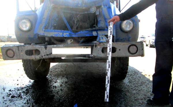 В Кургане в ДТП на Дзержинского пострадал пассажир грузовика