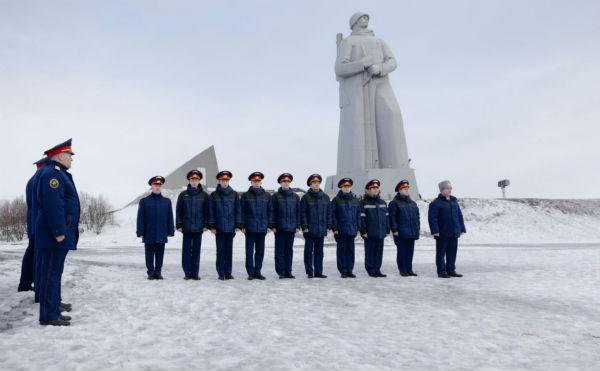В Мурманске прошли торжественные мероприятия в рамках всероссийской патриотической эстафеты «Дорога Памяти», приуроченной к 74-й годовщине Победы в Великой Отечественной войне