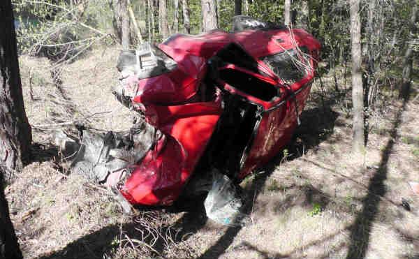 В Катайске водитель погиб после столкновения с деревом