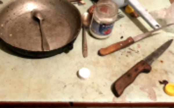В Курганской области пьяный сельчанин зарезал сожительницу