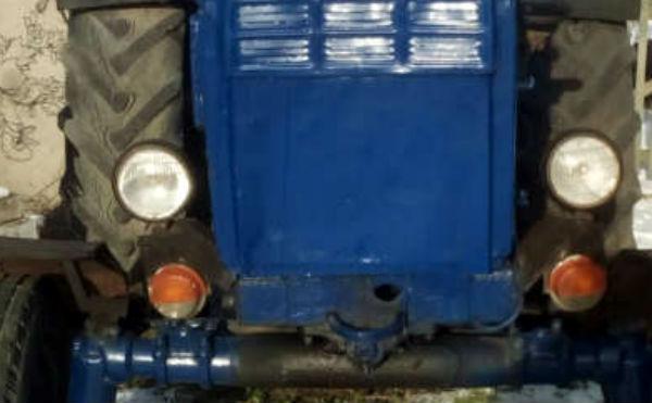 В Курганской области рецидивист угнал трактор и бросил на полдороге