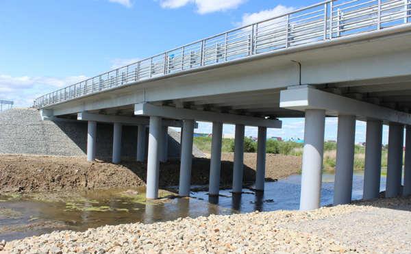 В Кургане капитально отремонтировали мост через реку Черная