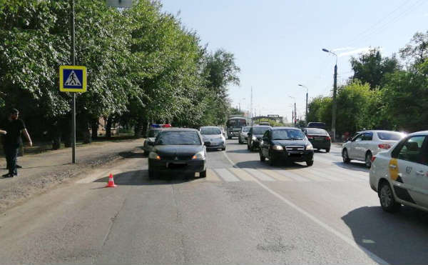 В Кургане на пешеходном переходе сбили 49-летнего мужчину