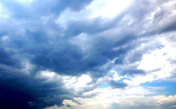 В Кургане ожидают град, дождь и шквалистый ветер