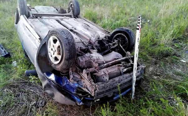 В Кургане подросток угнал автомобиль и покалечил приятелей