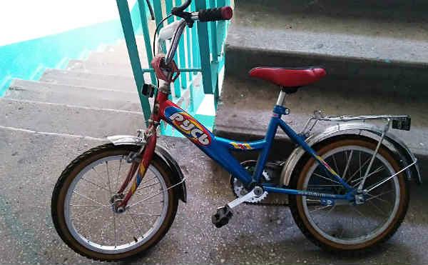 В Кургане рецидивист украл детский велосипед в гостях