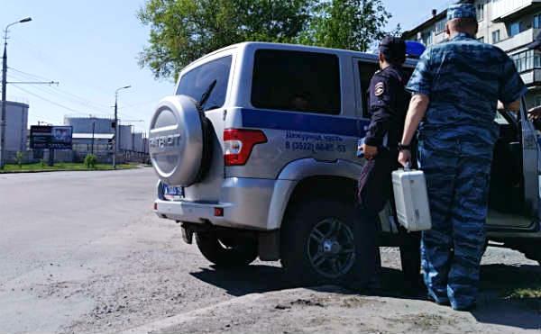 В Зауралье вооруженный пассажир ограбил таксиста