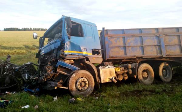 В Курганской области в ДТП на трассе погибли четыре человека