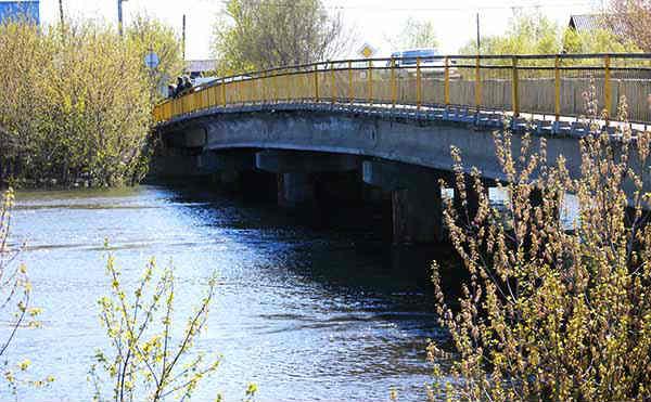 В Зауралье трое мужчин зарубили подростка топором и еще живым бросили в реку