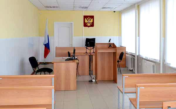 Житель Курганской области оценил удар совком по голове в 50 тысяч рублей