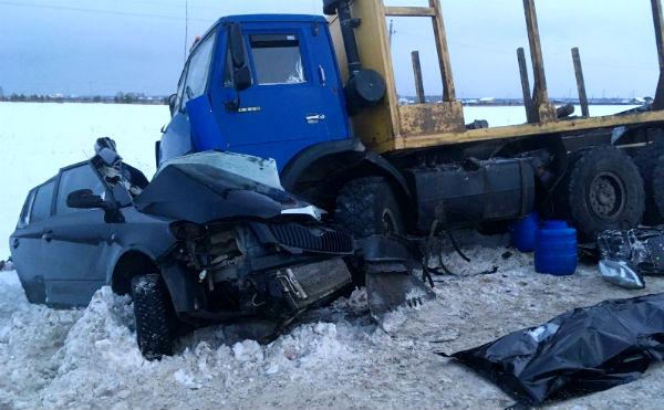 Под Курганом погибла женщина в ДТП с грузовиком