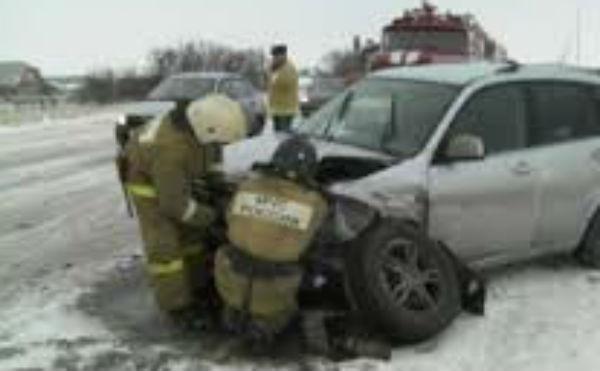 В Кургане на Омской столкнулись два автомобиля