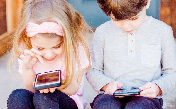 МегаФон направил 20 тысяч смартфонов детям из малоимущих семей в рамках акции взаимопомощи #МыВместе