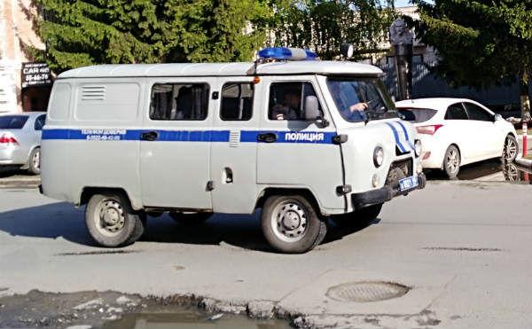 В Шадринске грабитель сбежал из магазина с тушенкой и колбасой