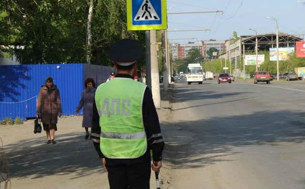Житель Кургана пойдет под суд за пинок полицейского по лицу
