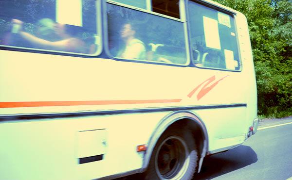 В Курганской области на трассе столкнулись грузовик и пассажирский автобус